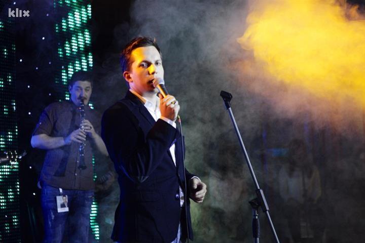 VIDEO Armin Muzaferija predstavio spot za pjesmu Samo ti