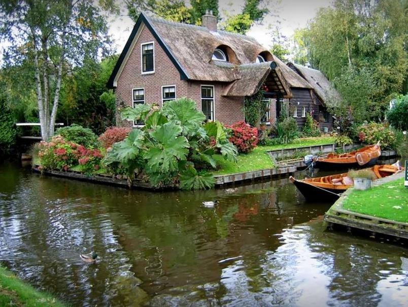 (FOTO) 'HOLANDSKA VENECIJA': Selo bez puteva odvest će vas u najljepšu bajku Holandije