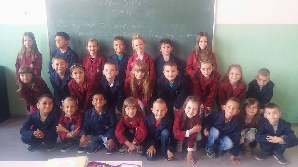 47cfc40019 Nakon što je prošle godine pokrenuta inicijativa da se u osnovnu školu  uvedu uniforme za učenike koje treba da predstavaljaju i motivišu jednakost  među svim ...