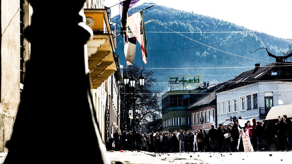 Foto: Amir Hajdarević / Protesti ispred zgrade Općine Visoko 2014. godine