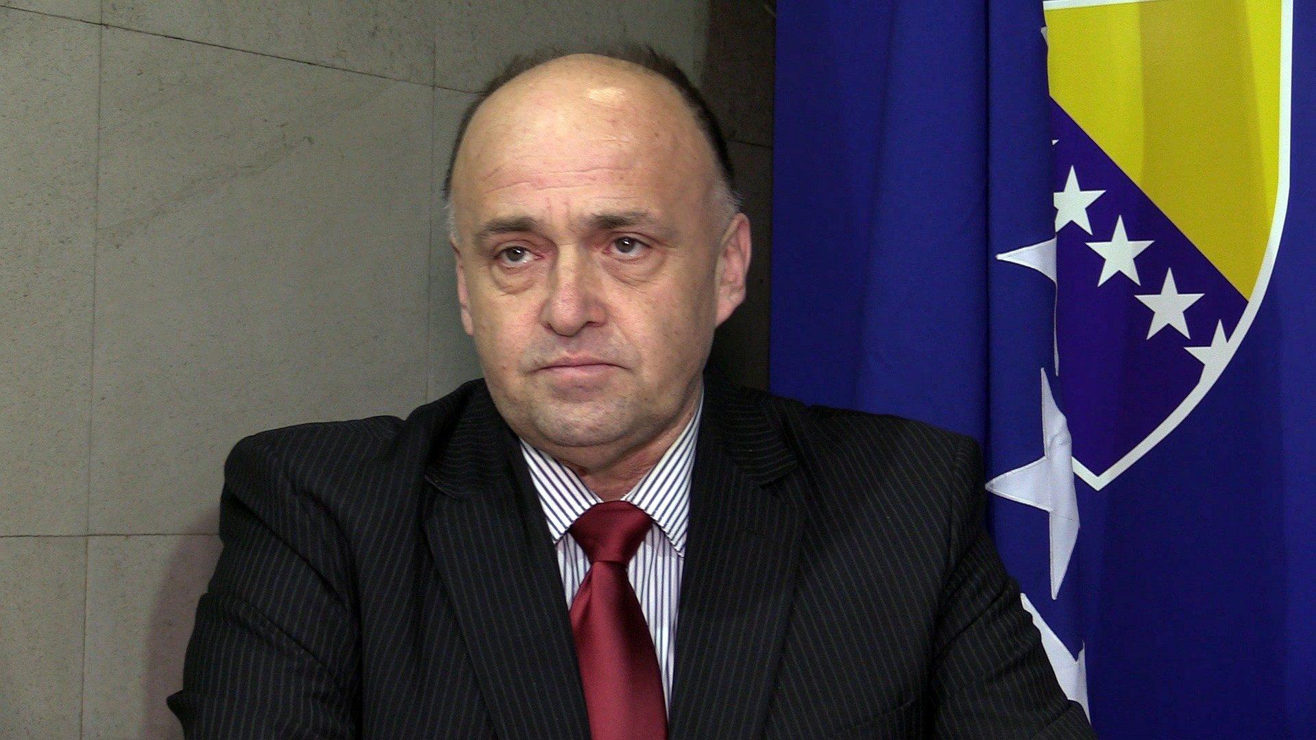 dr. Adnan Jupić
