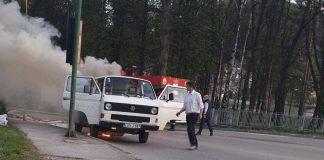 Požar na kombi vozilu u Visokom